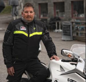 Geir Strand lever et aktivt liv med hørselshemming
