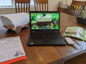 Roger Multimedia Hub plugget inn i skole-PC