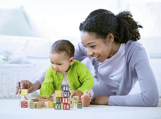 Spedbarn med hørselstap er avhengig av kommunikasjon med foreldre