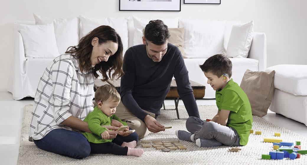 Foreldre spiller en viktig rolle for barn med nedsatt hørsel