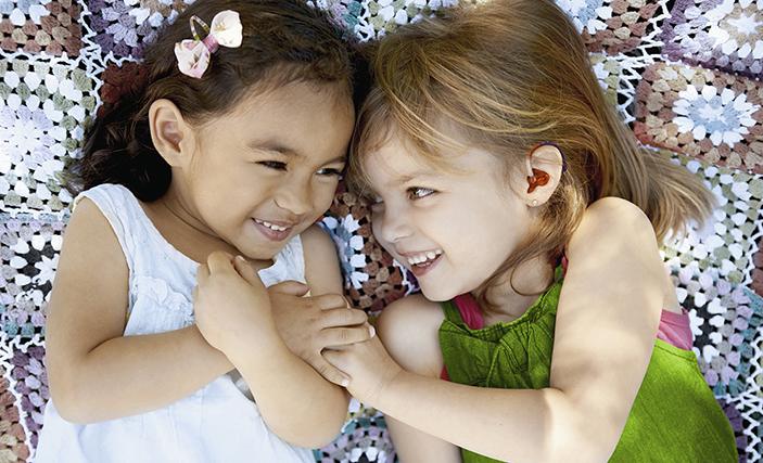 Barn med nedsatt hørsel og høreapparater