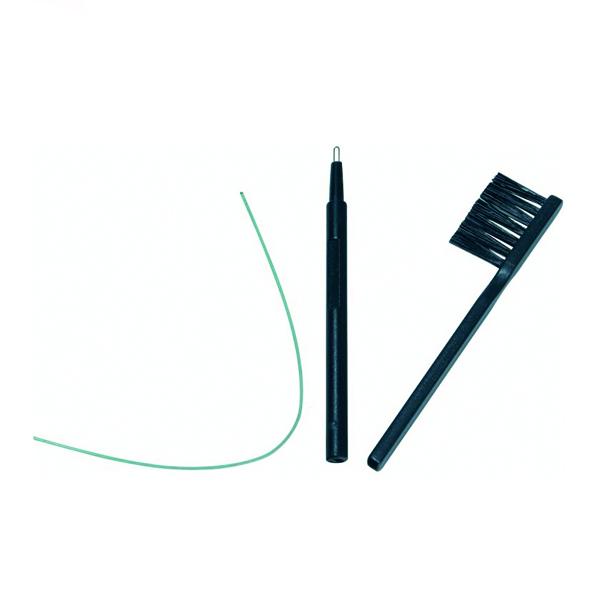 Børste og proppeskraper til rens av høreapparater
