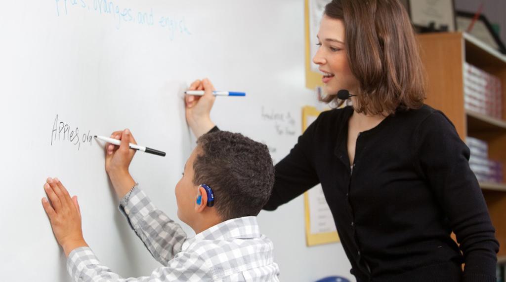 teaching-a-child-with-heari