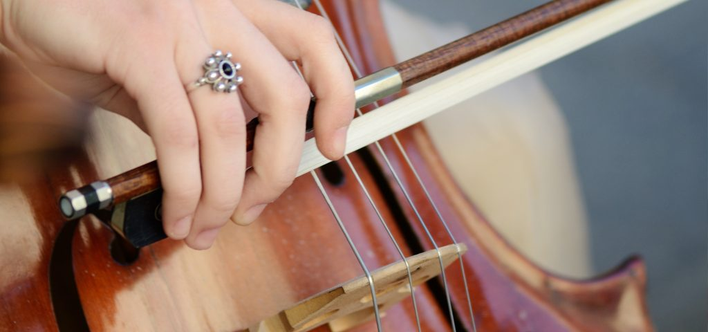 Violist sues Royal Opera House for hearing damage
