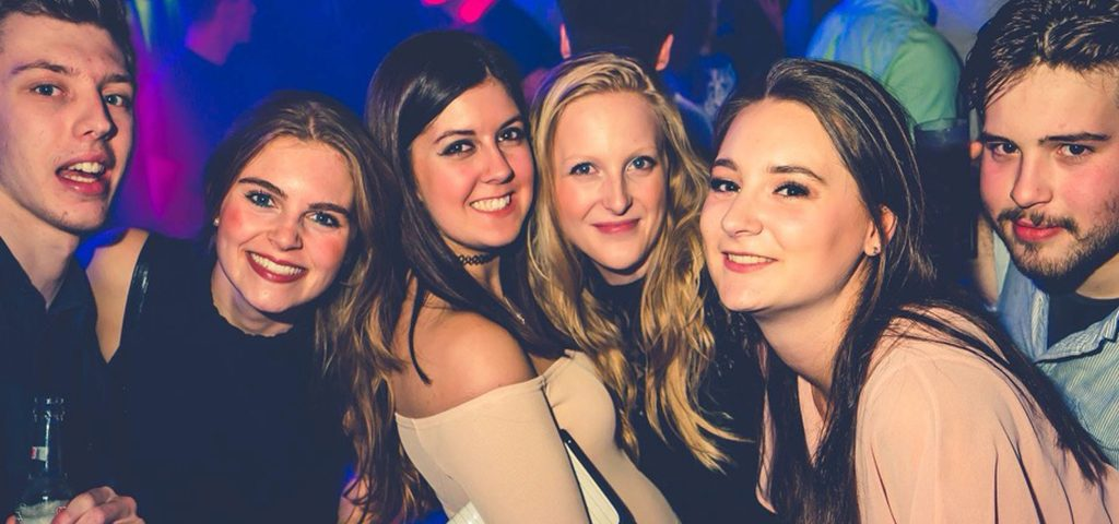 Tips for going clubbing with hearing loss