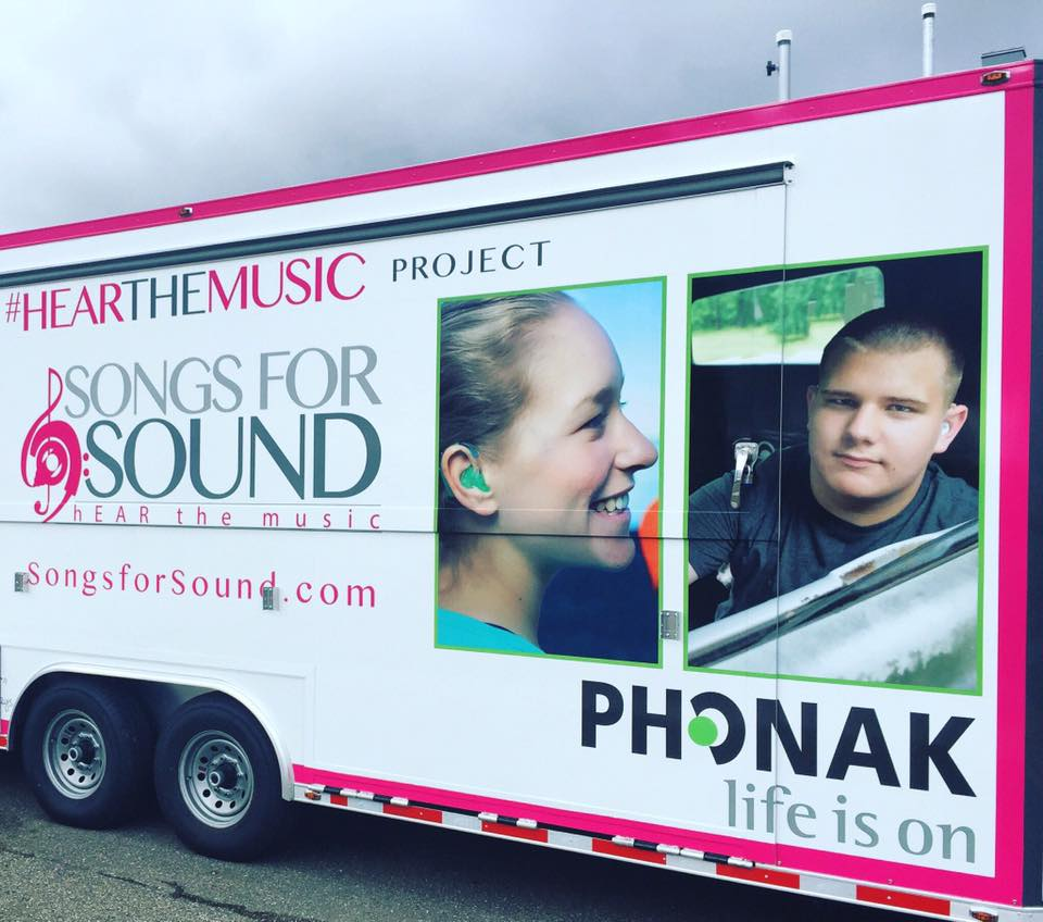 Mobile hearing clinic Songs for Sound and Phonak hearing aids