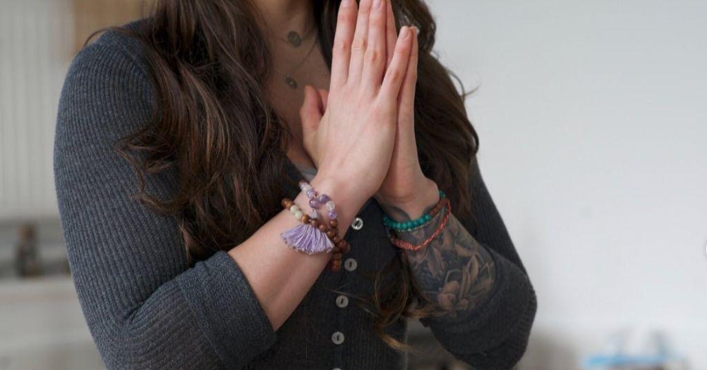 yoga in sign language